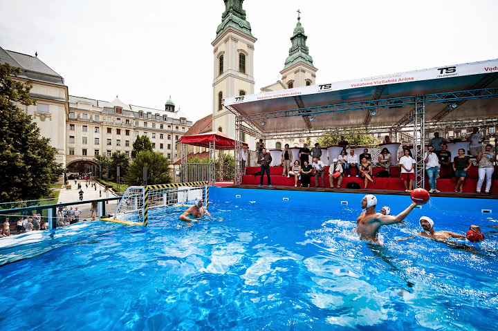 Supporters' Camp at Elisabeth Bridge for Water Polo Euro Championship post's picture