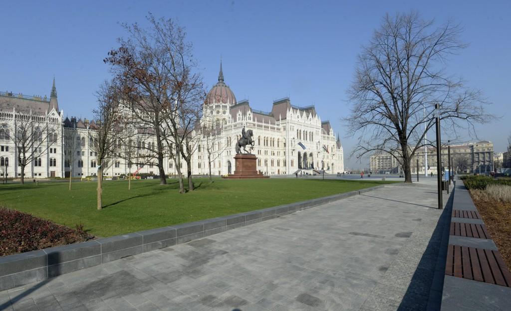 Hungary Denies Supplying Weapons to Ukraine post's picture