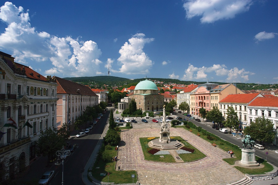 Weekend Travel Tip: First Ever Zsolnay Festival Kicks Off In Pécs Today post's picture