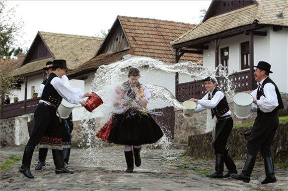 Hungarian Folk Culture: Traditions Set In Time post's picture