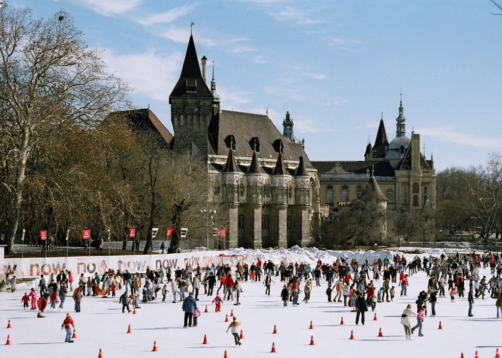 Getting On The Ice: Budapest's Best Skating Rinks post's picture