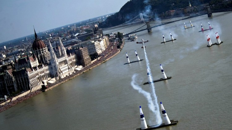Budapest To Host Red Bull Air Race In 2015 post's picture