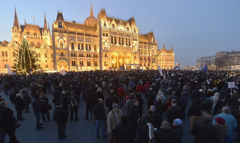 Socialists To Cooperate With Protesters As Demo Held In Front Of Parliament post's picture