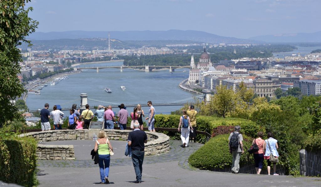Gov't Aims to Make Hungary Top Region of CE Tourism by 2030 post's picture