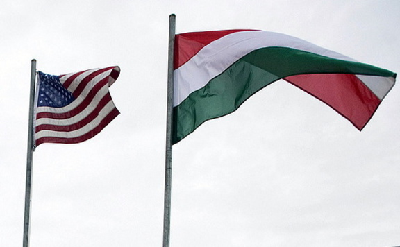 Survey: Hungarians more Pro-American than C European Average post's picture