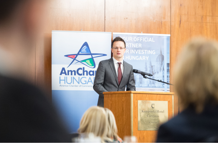 Szijjártó At AmCham Forum Announces 500 New Jobs And Strategic Agreement With Oracle post's picture