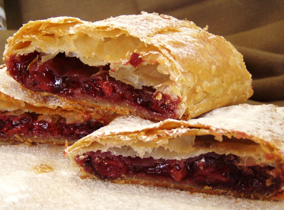 Cook Hungarian Strudel With Cottage Cheese Or Cherry