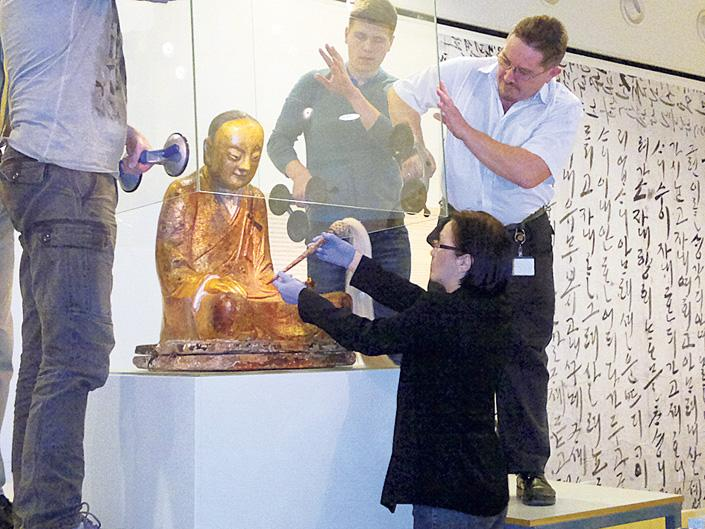 Buddha Statue Removed From Hungarian Museum By Chinese Owner After Allegations Of Theft post's picture