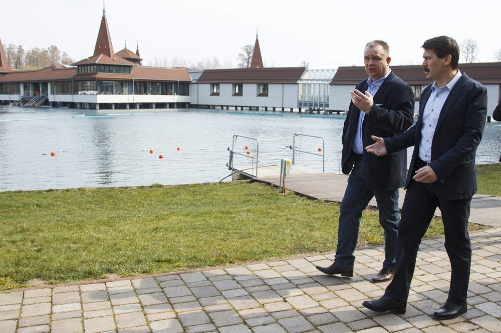 President Áder Calls For Joint Responsibility In Protecting Hungary's Water Resources post's picture