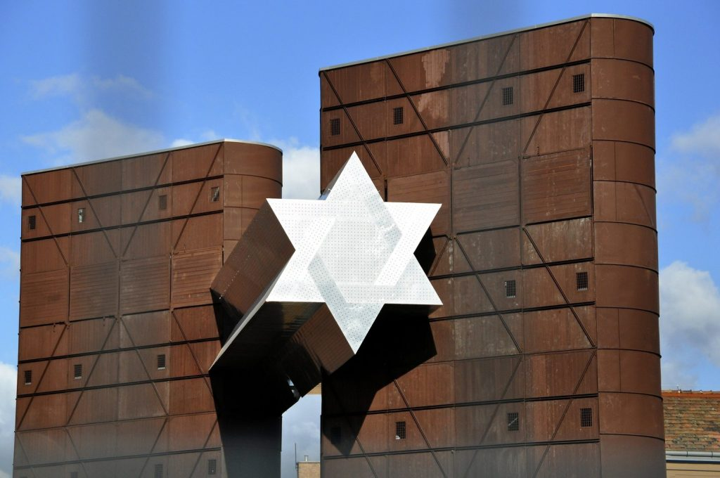 House Of Fates: Minister Urges Gaining Jewish Organisations' Support For New Holocaust Museum post's picture