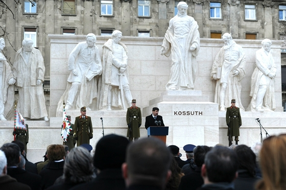 President Áder Re-Inaugurates Kossuth Statue On Parliament Square post's picture