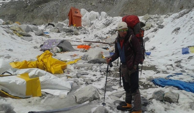 Nepal Earthquake: Hungarian Alpinist Alive But Stranded At Mount Everest Base Camp post's picture