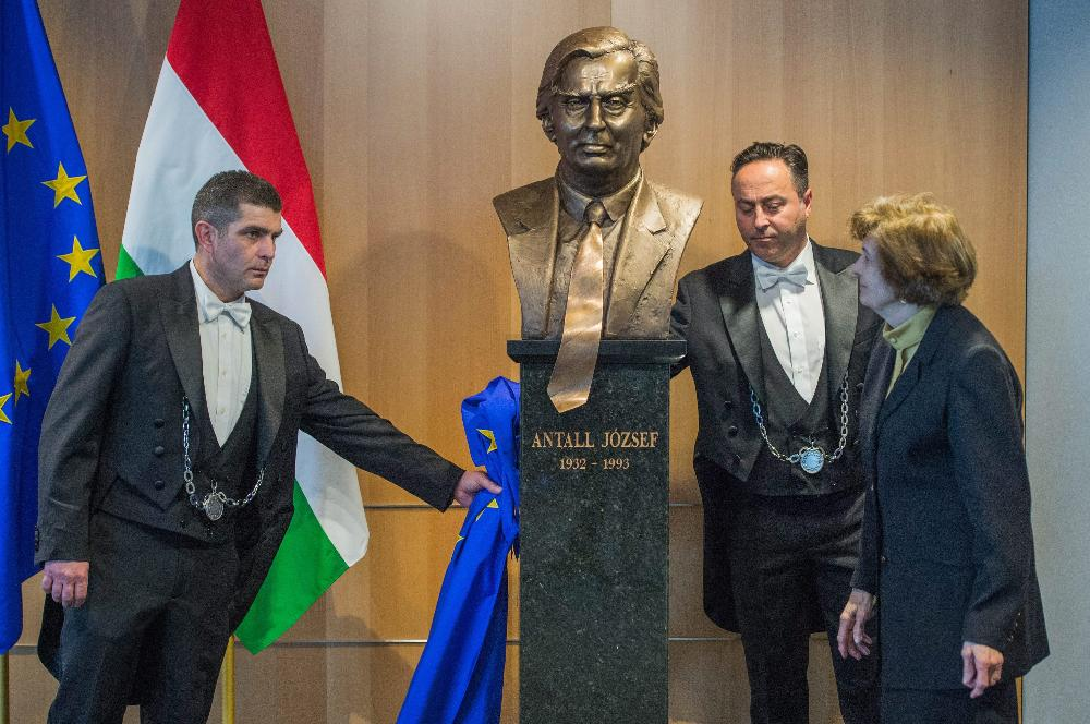 Bust Of First Democratically Elected Hungarian PM Antall Unveiled In Brussels post's picture