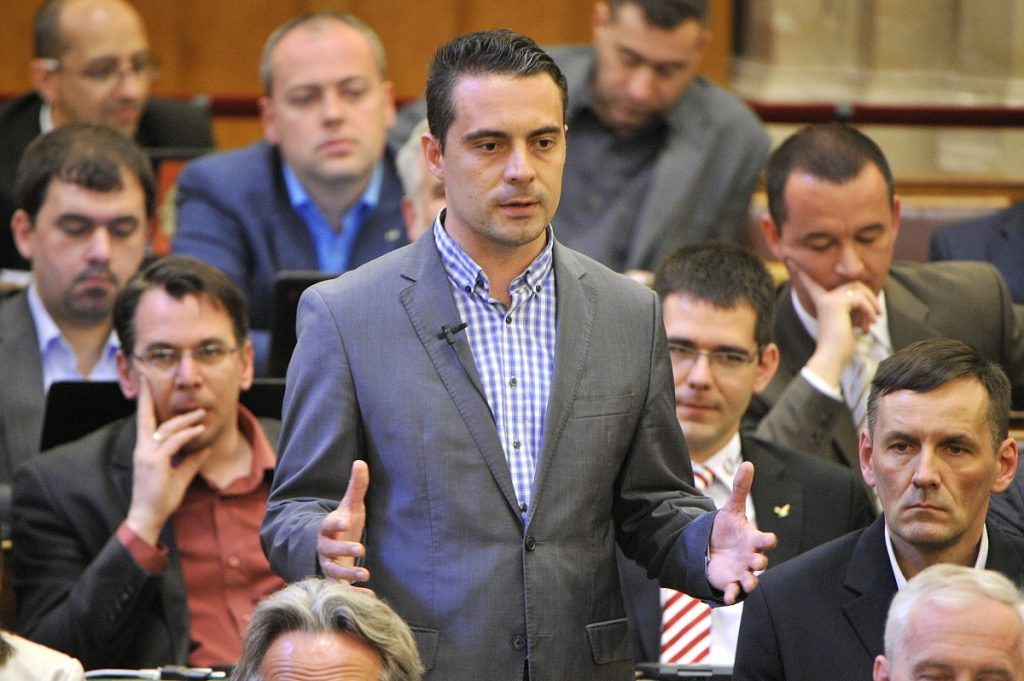 Quo Vadis, Hungarian Radicals? – Press Reactions To Jobbik's Intra-Party Conflicts post's picture