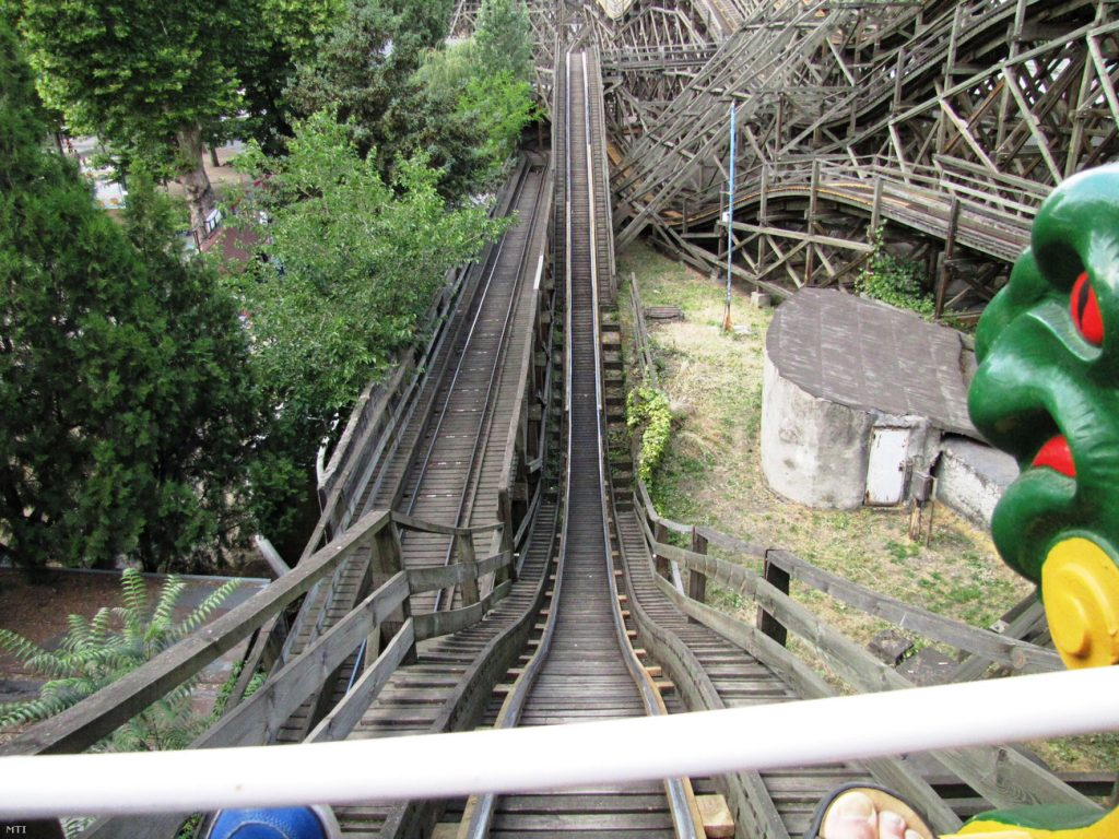 Budapest Zoo Orders Safety Measures After Historic Rollercoaster Breaks Loose, Causing Panic post's picture
