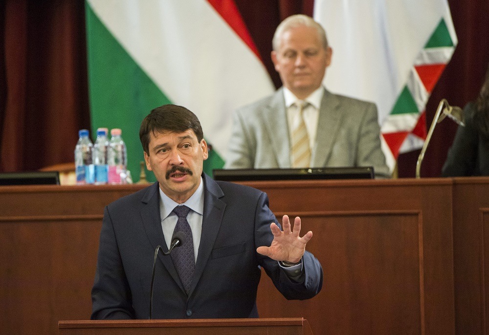 President Áder Calls On Budapest City Council To Promote Climate Action post's picture