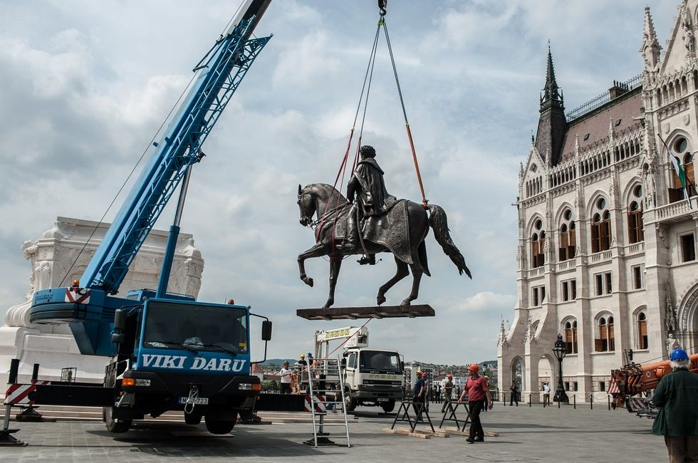 Parliament Square Finally Completed As Statue Of Statesman Gyula Andrássy Is Reinstalled post's picture