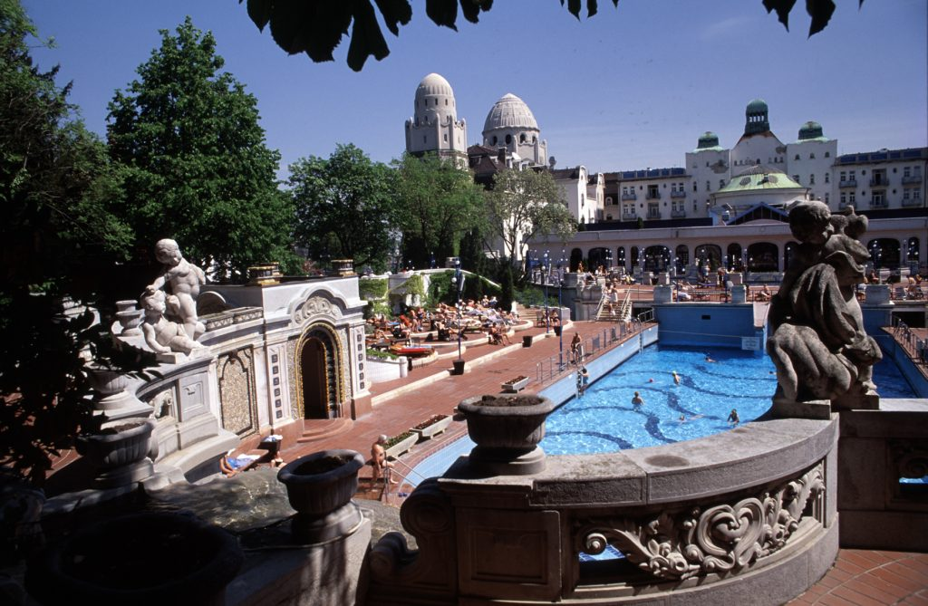 Open-Air Bathing Season Begins: Hungary's Spas Welcomed Over 40 Million Visitors Last Year post's picture