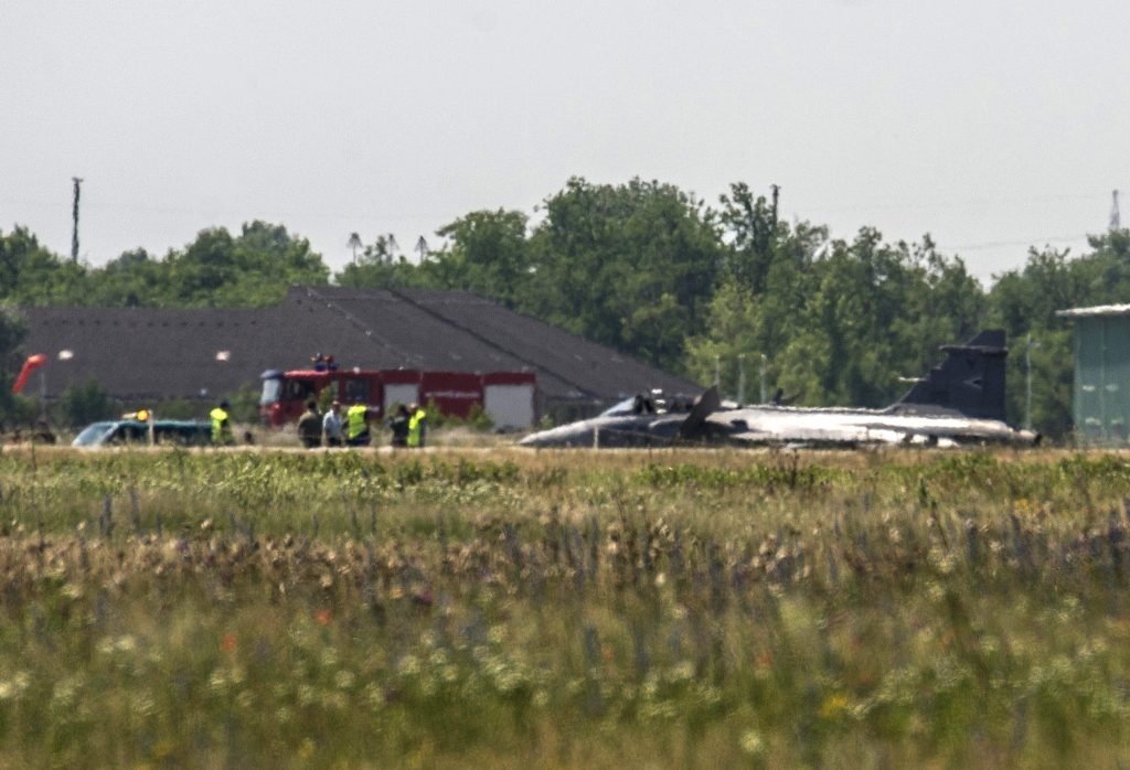 Pilot Ejects As Gripen Fighter Plane Makes Emergency Landing At Kecskemét Airbase post's picture