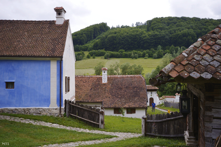 Prince Charles Returns To His Beloved Transylvanian Estate In Ethnic Hungarian Village post's picture