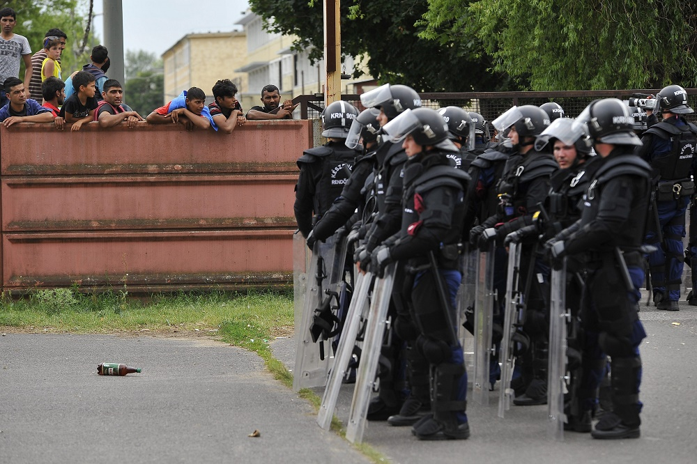 Hungarian Police Seal Off Refugee Camp After Migrant Vandalism In Debrecen – Video! post's picture