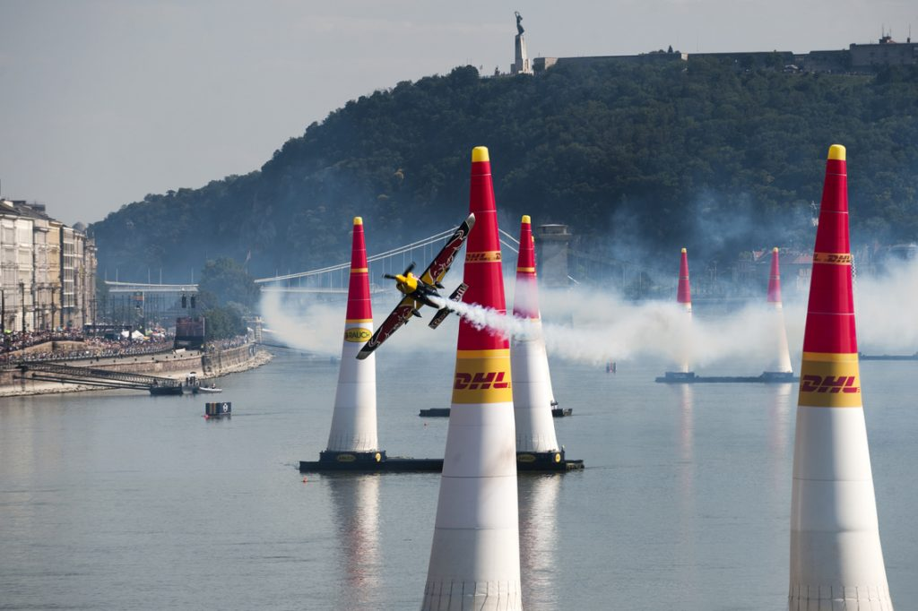 Red Bull Air Race: Hundreds Of Thousands Line Danube Embankments To Wittness Spectacular Aerobatics Event post's picture