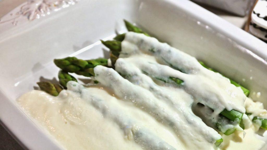 """Cook Hungarian – Asparagus With Sour Cream (""""Spárga Tejföllel"""") post's picture"""