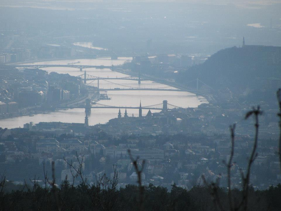 Budapest Population Urged To Avoid Going Outdoors And Using Cars As Smog Alert Is Announced post's picture