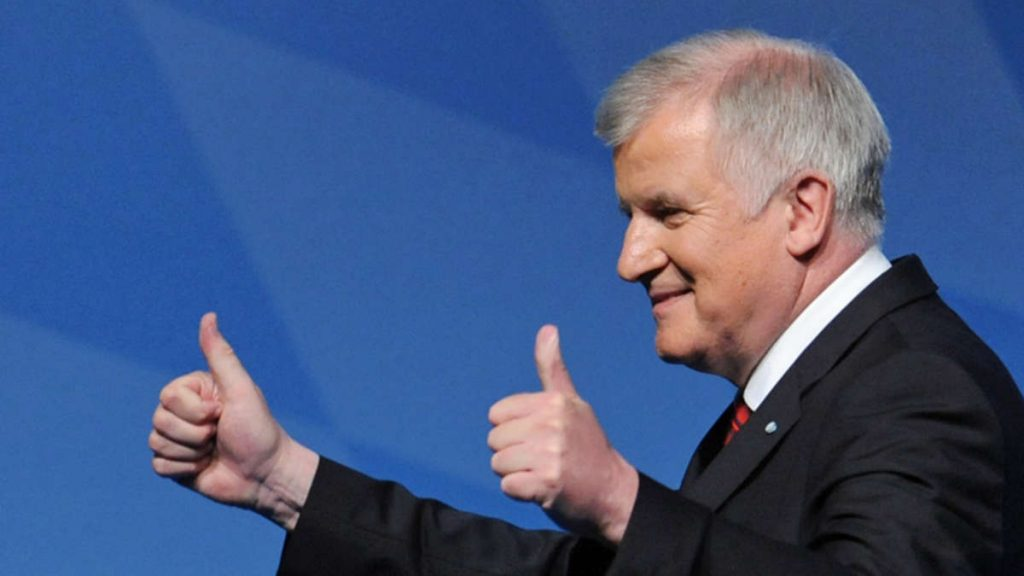 """Bavarian PM Seehofer: """"Many Will Be Thankful For What Orbán Does on His Borders"""" post's picture"""