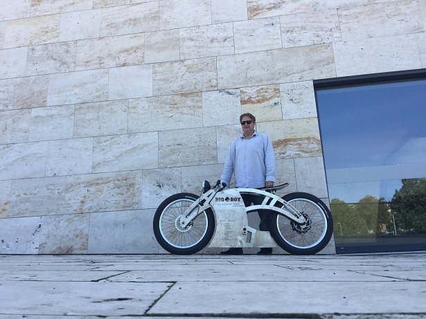 Hungarian Inventor's Record-Breaking Electric Bike On Path To Global Success post's picture