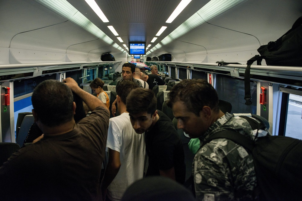 Austria's ÖBB Stops Munich-Bound Train Packed With Migrants At The Border post's picture