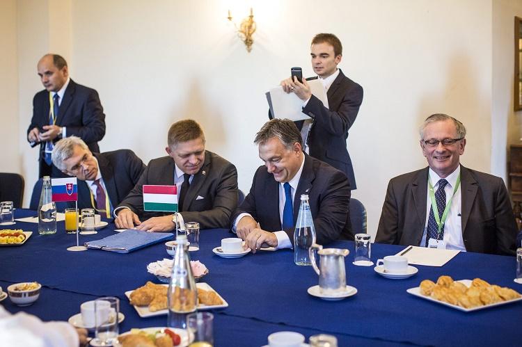 Orbán Viktor; FICO, Robert