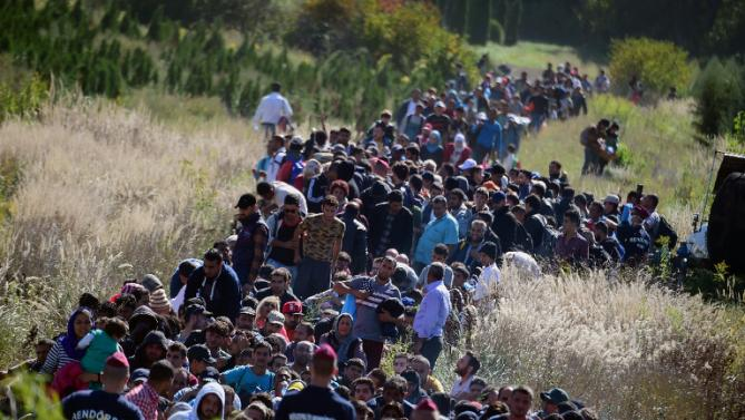 Hungarian Parliament Adopts Resolution To Combat EU Refugee Quota post's picture