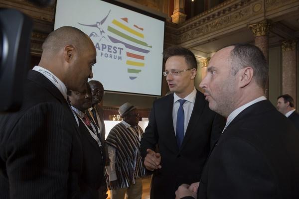 SZIJJARTO_Peter részt vesz a 2. Budapest Africa Fórum megnyitóján