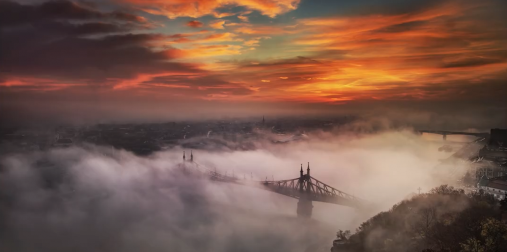 Sensational Time-lapse Video Shows Budapest Disappearing In Dawn Mist post's picture