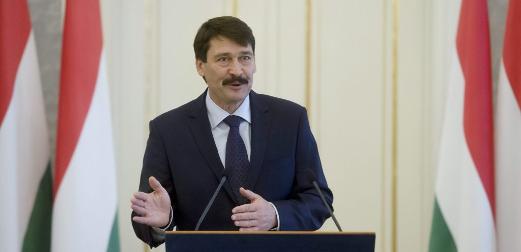 President Áder Hails Paris Agreement On Climate Change post's picture