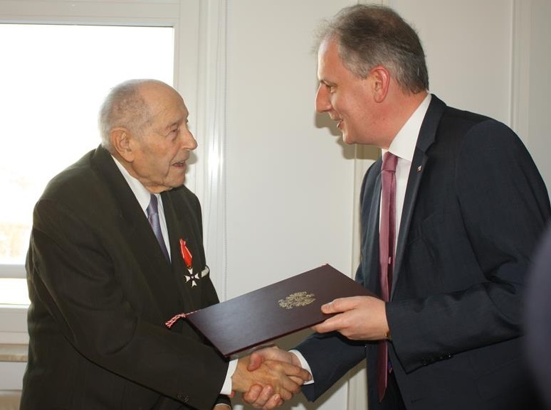 98-Year-Old Hungarian Veteran Awarded Top Polish State Decoration post's picture