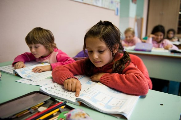Number Of Hungarian Roma Matriculating From High School Doubles To 20 Per Cent post's picture