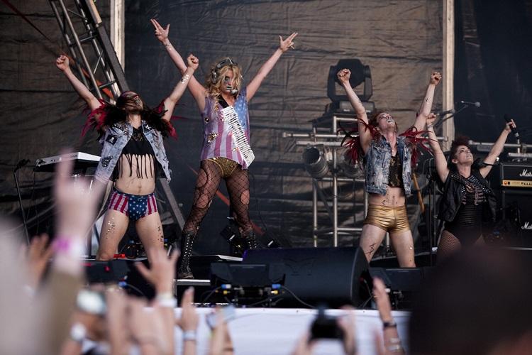 Young & Partners - Hungarofest - 15. Kapcsolat koncert - T- Com - Kesha