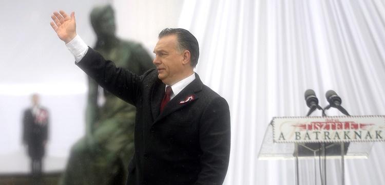 Budapest, 2016. március 15. Orbán Viktor miniszterelnök az 1848-49-es forradalom és szabadságharc kitörésének 168. évfordulóján rendezett állami ünnepségen Budapesten, a Múzeumkertben 2016. március 15-én. MTI Fotó: Kovács Tamás