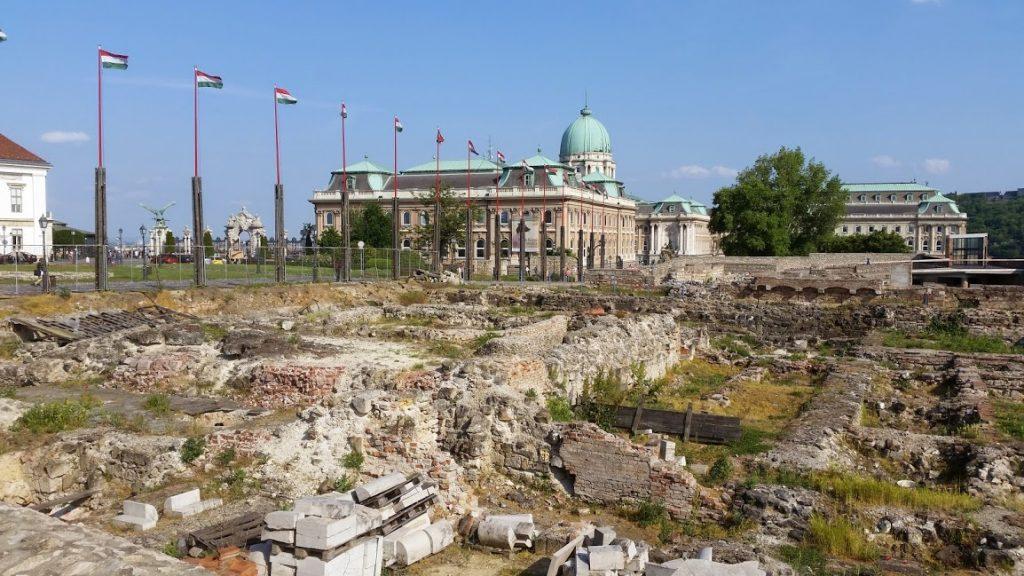 Hilarious Translation Fails Cause Stir At Buda Castle Reconstruction Site post's picture
