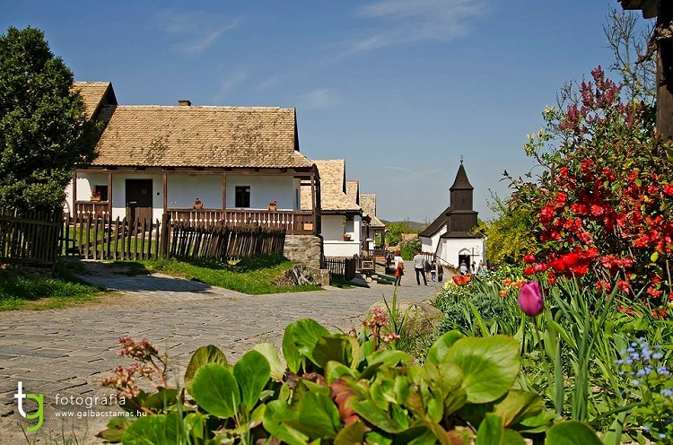 Beautiful Pictures Capture Hungary's Only UNESCO World Heritage Village Of Hollókő post's picture