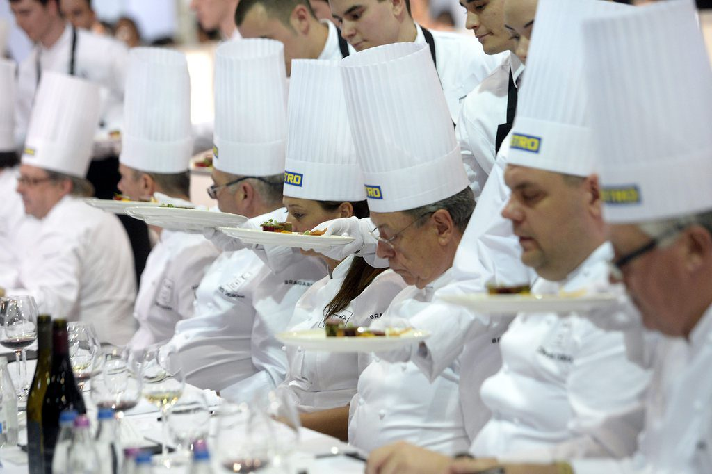 Look On The Pots: It Is Lunch Time At The Bocuse d'Or Festival In Budapest post's picture