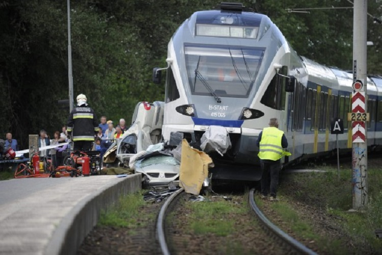 Woman Miraculously Survives Horrific Crash With Train Near Budapest – Photos! post's picture