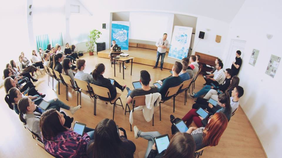 Hungarian Youth Conference Reaches Out To Engage Romania's Young Ethnic Hungarians post's picture