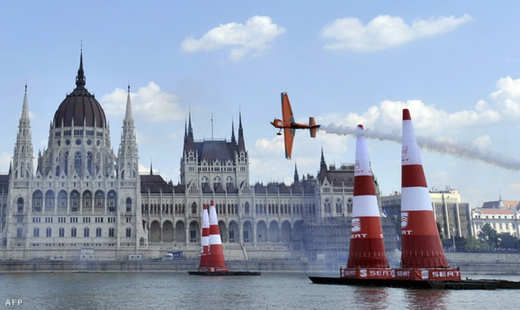 Word Champions Will Compete In The Sky Of Budapest Within Red Bull Air Race 2016 post's picture
