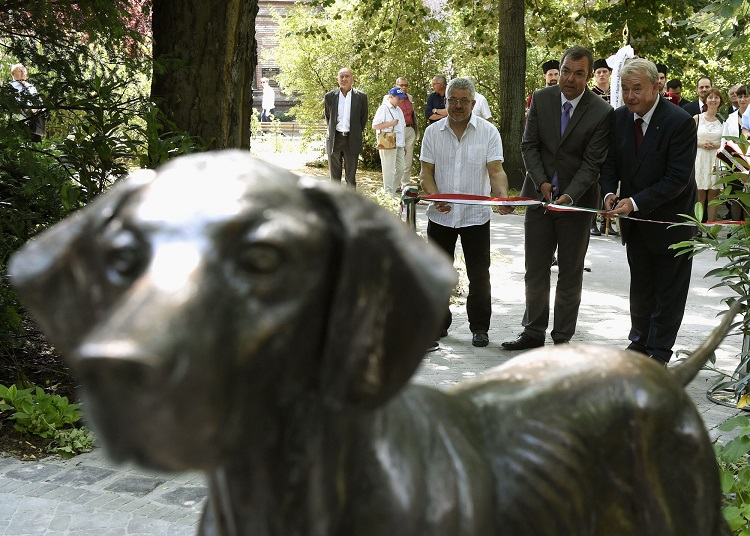 Can You Guess Which Statue Shows Which Native Hungarian Dog Breed? post's picture