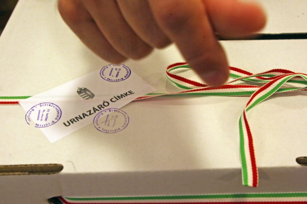 Hungarian Expats Denied Right To Vote Via Mail As Governing Parties Boycott Parliamentary Debate post's picture
