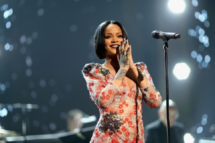 "Sziget's 1 Million Dollars Baby – Rihanna Said It's ""Time To Pay The Piper"" Just In Time post's picture"