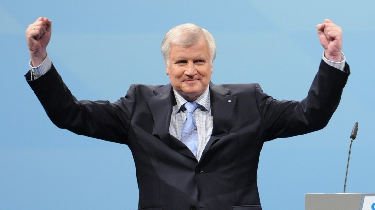 "Bavarian PM Seehofer: Viktor Orbán ""Stands On The Ground Of Democracy"" post's picture"